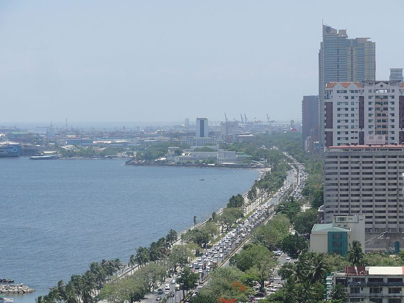 File:Roxas blvd. - along Manila Bay; aerial shot from Legaspi Towers.jpg