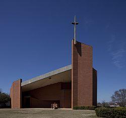 Rudolph Tuskegee Chapel exterior.jpg