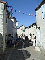 Rues fleuries de Mornac - panoramio.jpg