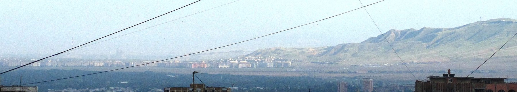Rustavi (view from SE Tbilisi).jpg