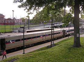 SEPTA 49th Street regional rail station 02.jpg