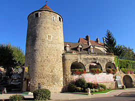 Tour Rouge (Red Tower) in Buxy