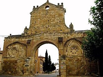 Sahagún - Image: Sahagun Arco de San Benito 2