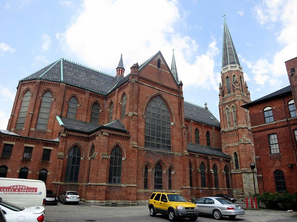 Sainte Anne de Detroit Catholic Church (Detroit, MI) - exterior, side