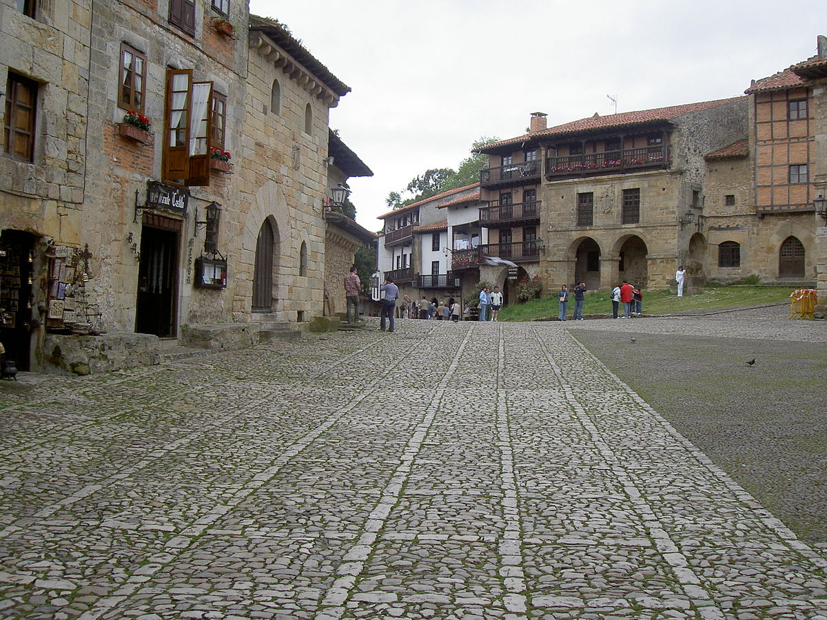 Santillana del mar wikipedia entziklopedia askea for Oficina liquidadora