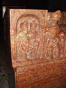 Sarcofago Berardo Maggi by Stefano Bolognini particolare3.JPG