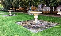 Schalenbrunnenpaar Borstei München.jpg