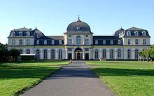 Poppelsdorfer Schloss, Alleeseite (Quelle: Wikimedia)