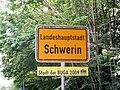 Schwerin Ortsschild BUGA 2008-06-17 033.jpg