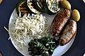 Selleri, squash, spinat, oliven og pølser (7197956370).jpg
