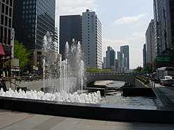 Seoul-Cheonggyecheon-01.jpg