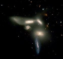 O Sexteto de Seyfert, fotografado pelo HST.Crédito: NASA/ESA.