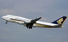 220px-Singapore.airlines.b747-400.9v-spa.arp.jpg