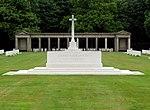 Soldatenfriedhof - Rheinberg War Cemetery - Gedenkstein.jpg