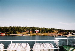 The southern end of Storsottunga as seen from a passing ferry in 2004