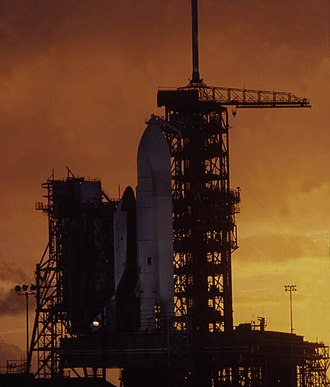 STS-2 - Image: Space shuttle on the launch pad dnd 0525