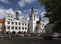 Stará radnice z náměstí.JPG