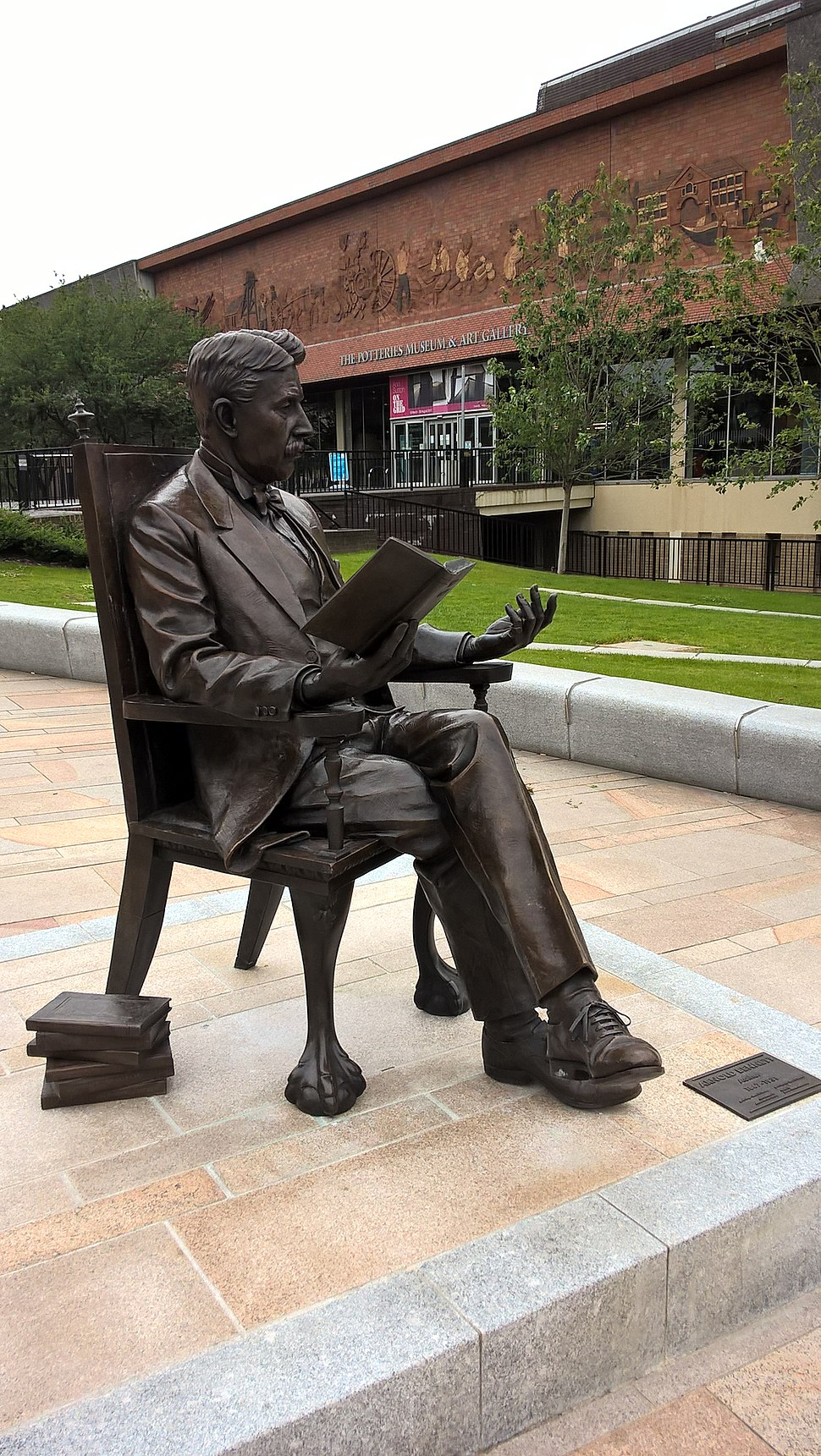 Statue of Arnold Bennett outside the Potteries Museum & Art Gallery in Hanley, Stoke-On-Trent