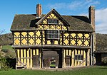 Stokesay Castle gatehouse.jpg