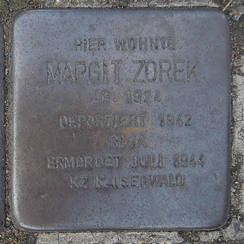 Stolperstein Gelsenkirchen Augustastraße Margit Zorek.JPG