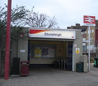 Stoneleigh railway station - Image: Stoneleigh Station 02
