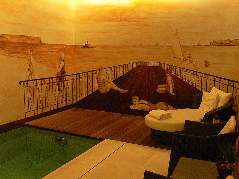 File swimming pool at hotel heritage av liberdade lisbon 4167370228 jpg wikimedia commons for Lisbon boutique hotel swimming pool