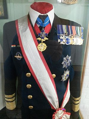 Glen Syndercombe - His uniform on display at the Naval Museum