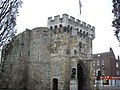 The Bargate from outwith the walled city - geograph.org.uk - 1720243.jpg