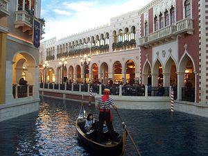 Grand Canal Shoppes - Image: The Venetian LV gondola