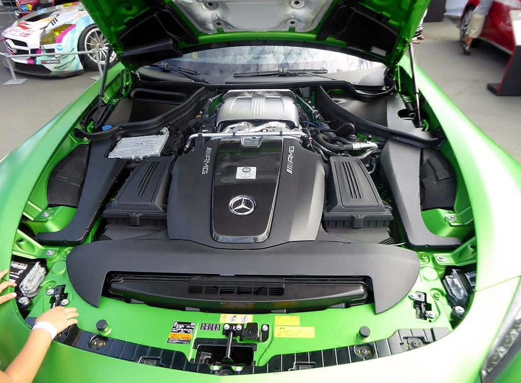 File:The engineroom of Mercedes-AMG GT R (C190) jpg