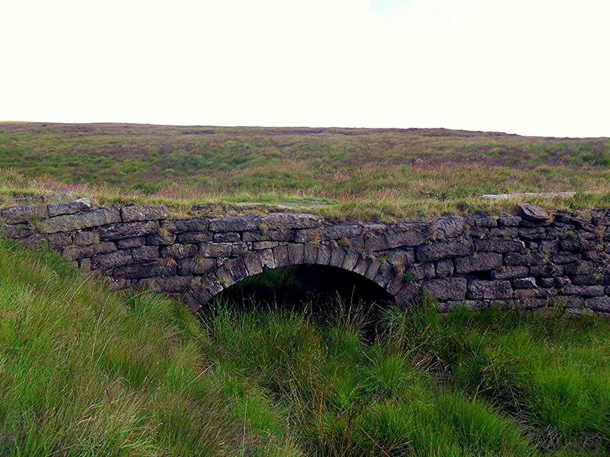 Thieves Clough Bridge.jpg
