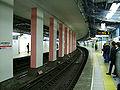 TokyoMetro-kokkaigijidomae-platform-marunouchi-line.jpg