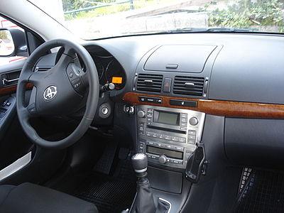 Toyota Avensis T-25 Xenon