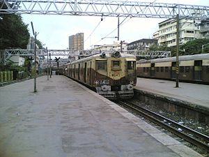 Western line (Mumbai Suburban Railway) - Train leaving Churchgate station