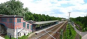 Berlin Wuhlheide station - Left: station building and platform, right: the park train platform