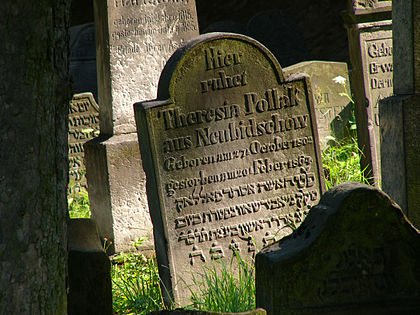 Náhrobky židovského hřbitova v Turnově