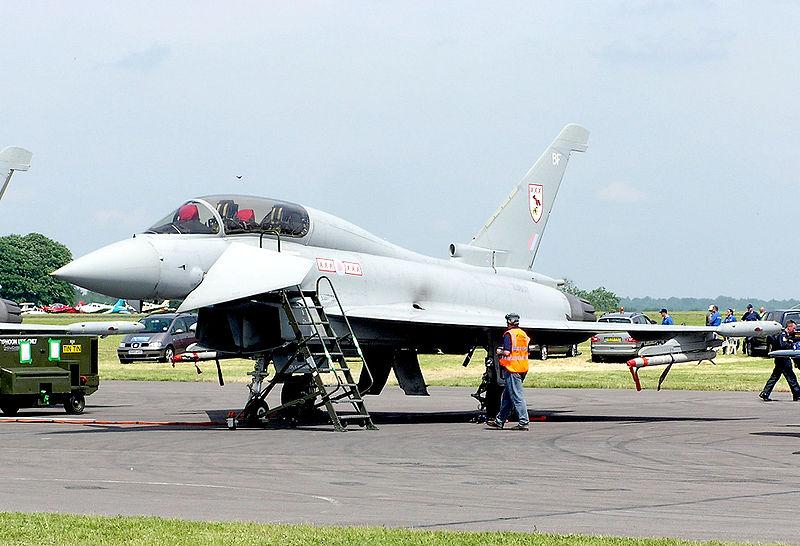 بريطانيا تفكر تقاعد المقاتله Tornado