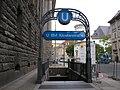U-Bahn Berlin Klosterstrasse Eingang.JPG