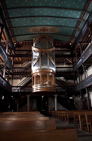L'église Saint-Vincent est un lieu de culte catholique situé dans la commune de Urrugne, dans le département français des Pyrénées-Atlantiques.