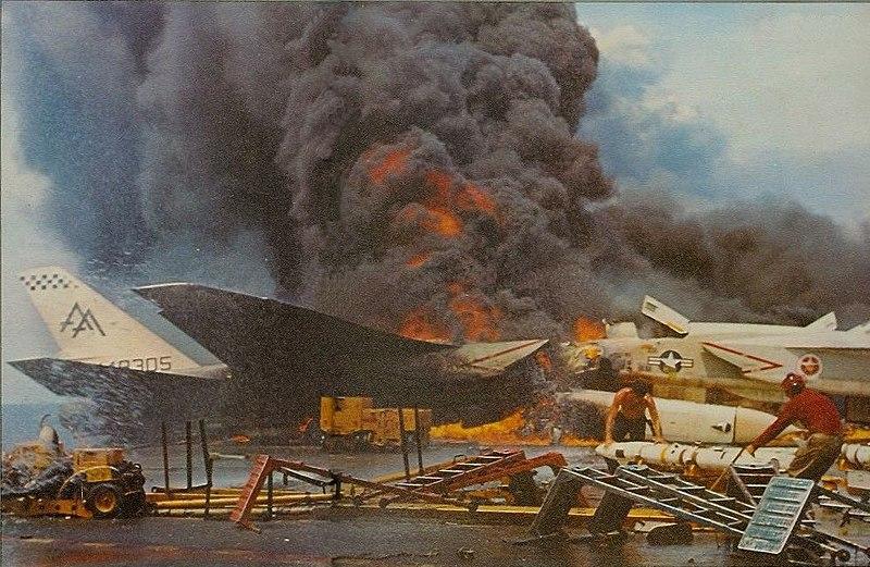 800px-USS_Forrestal_fire_RA-5Cs_burning_1967.jpg