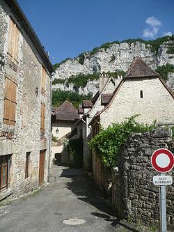 Une rue de Marcilhac-sur-Célé.JPG