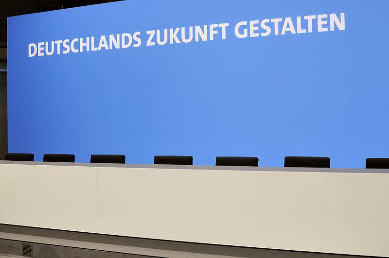 File:Unterzeichnung des Koalitionsvertrages der 18. Wahlperiode des Bundestages (Martin Rulsch) 175.jpg