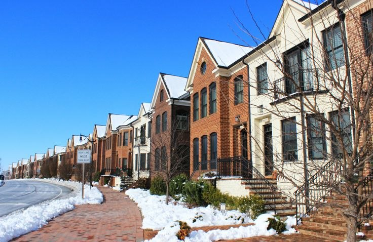 Rowhouses along Worthington Boulevard