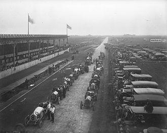 Vanderbilt Cup - Vanderbilt Cup race start, 1910