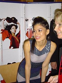 Vanessa Mae en el Royal Festival Hall en Londres en octubre de 2004.