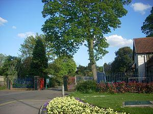 Victoria Park, Barnet - Ballards Lane entrance to the park, 2009