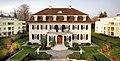 Villa Lindenhof Frontalansicht.jpg