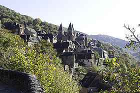 http://upload.wikimedia.org/wikipedia/commons/thumb/2/20/Vue_de_Conques.jpg/280px-Vue_de_Conques.jpg