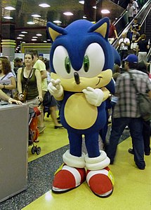 WW Chicago 2011 - Sonic the Hedgehog (8168360292).jpg