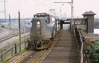52nd Street station (SEPTA Regional Rail) - Westbound train at 52nd Street station in 1973